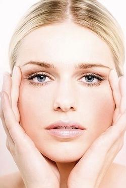 Как сделать кожу идеальной с помощью правильных техник макияжа